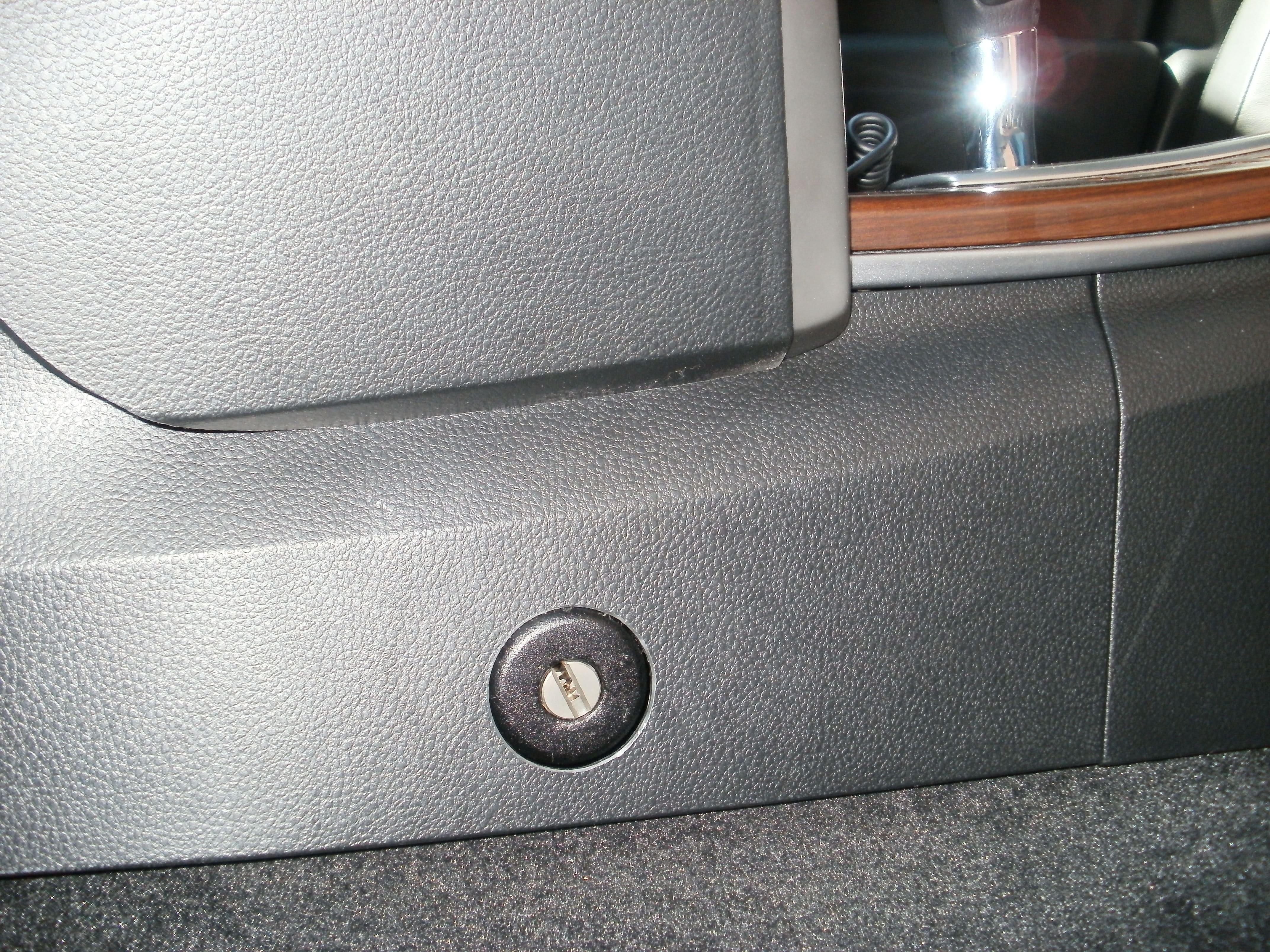 Установка замка на коробку Nissan Teana
